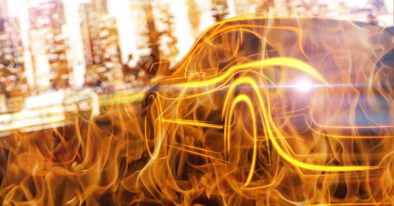 E-Auto-Brände: Wie gut sind unsere Feuerwehren im Land vorbereitet?
